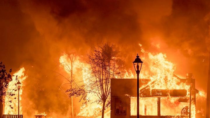 فیسبوک؛ سد اخبار نادرست در مورد آتش سوزی های اخیر آمریکا